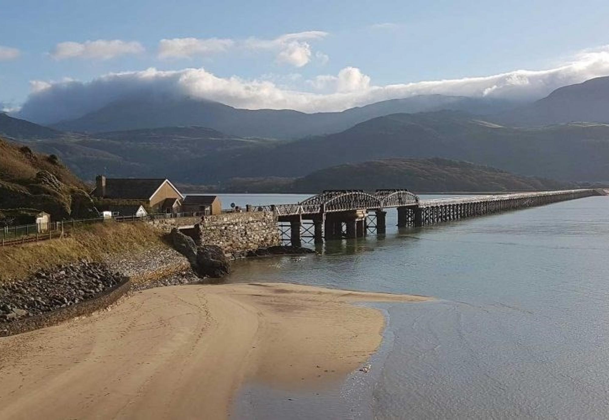 Momentous refurbishment underway for Barmouth Viaduct