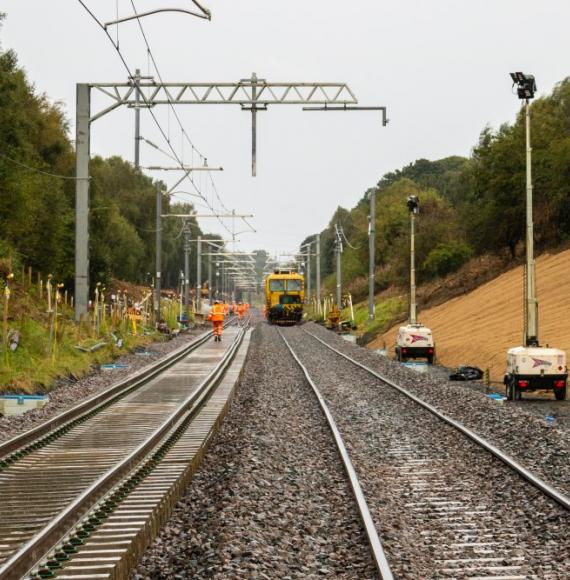 Flood-damaged Edinburgh-Glasgow line to reopen