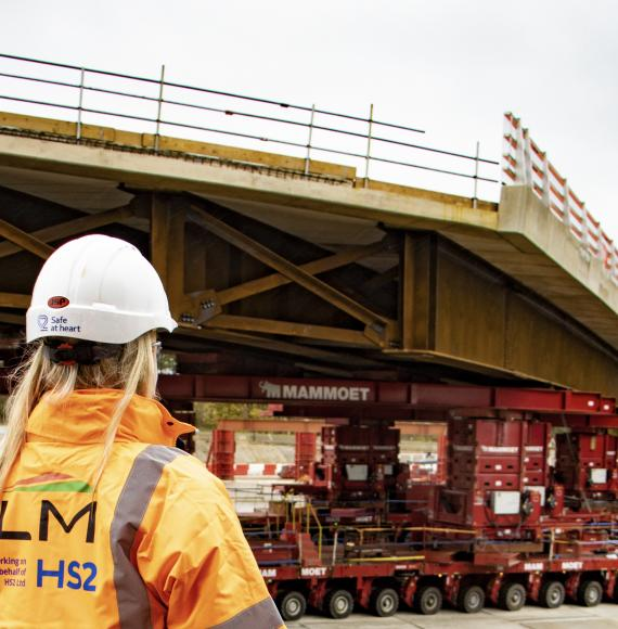 The HS2 914 tonne bridge that was placed in 45 minutes