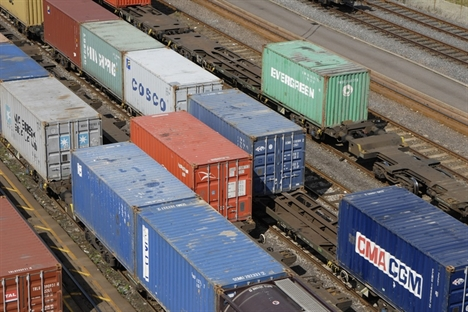 Amount of rail freight lifted in Q2 slips 18.4%