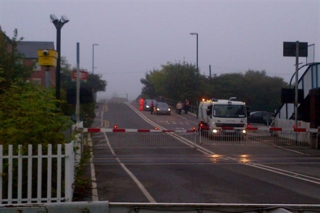 Safety boost at Spondon level crossing