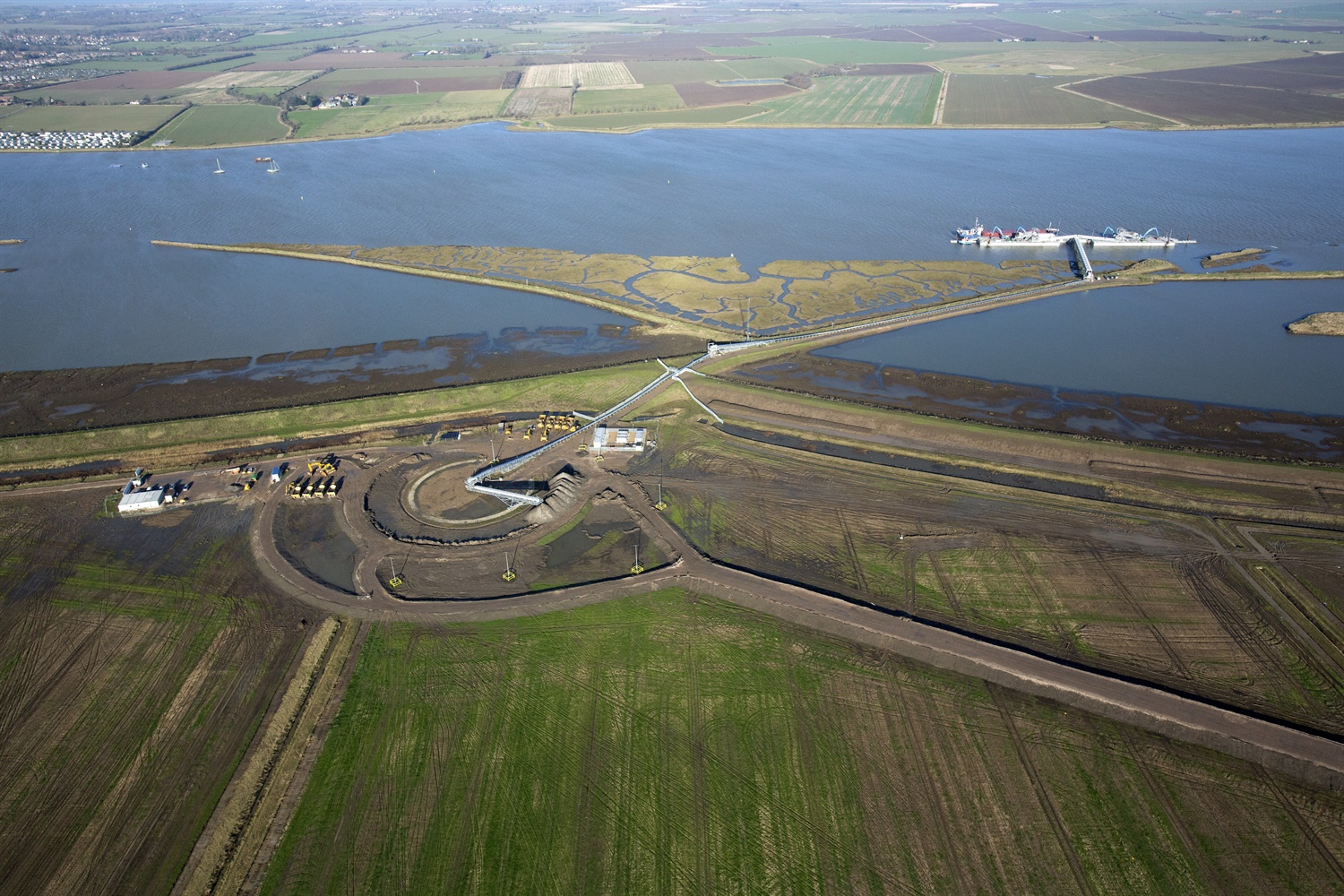 Crossrail's final shipment of earth arrives at Wallasea Island