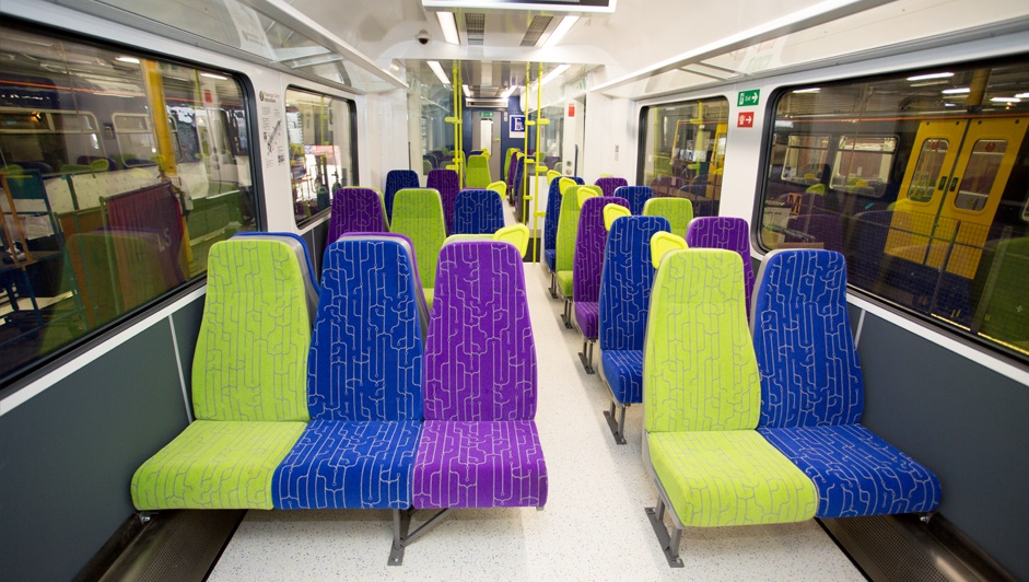 Eversholt awards contract to refurbish its Class 321 fleet