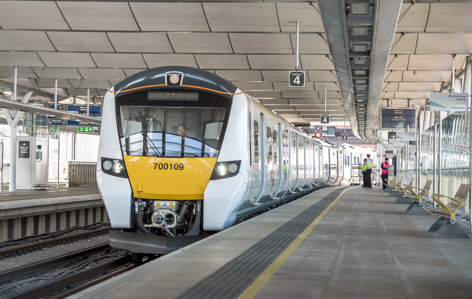 UK's first-ever self-drive mainline train runs on Thameslink route
