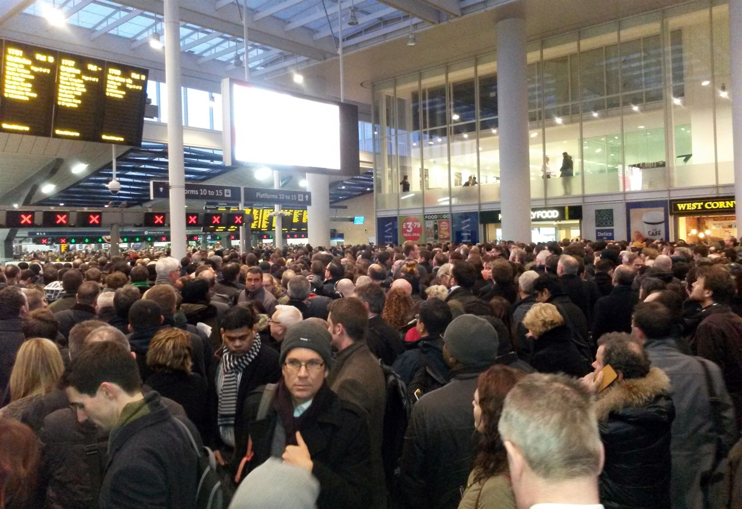 DfT confirms it will not implement overcrowding limits on busy services