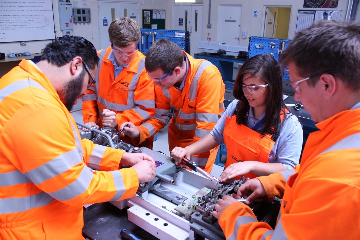 London Midland adopts new apprenticeship standard