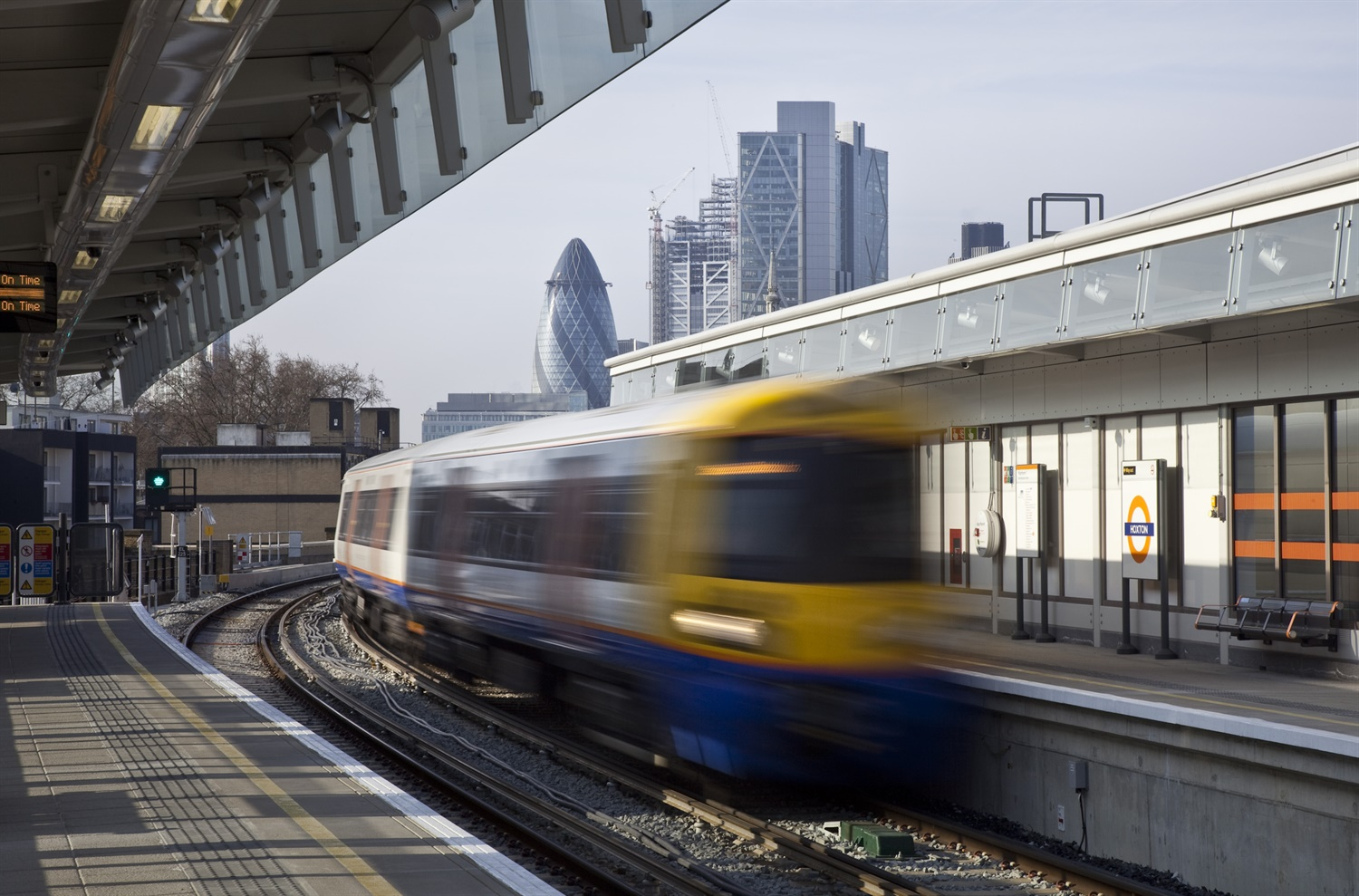 Arriva to land £1.5bn contract to deliver London Overground services