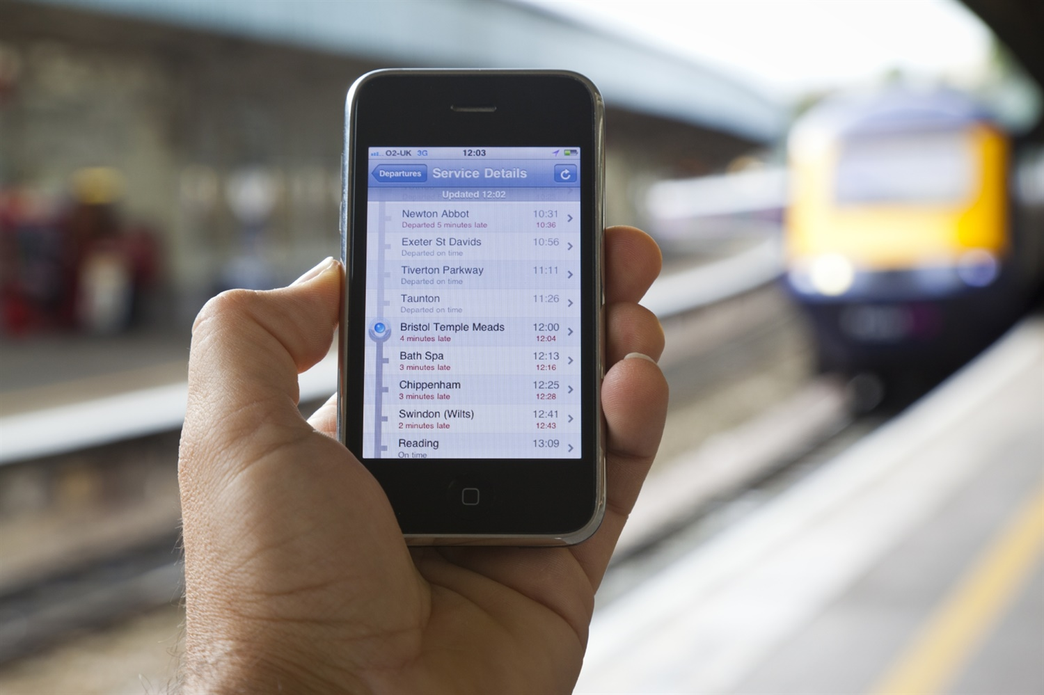 Drones could be used to boost mobile network coverage on trains