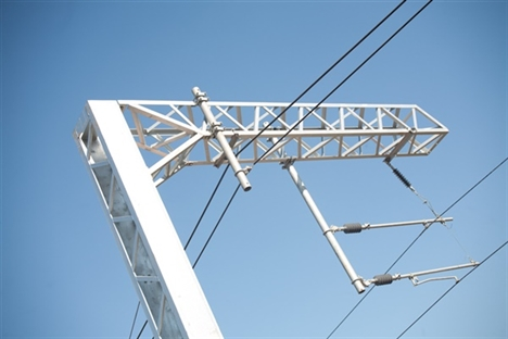 Fears that Thames Valley electrification falling behind schedule