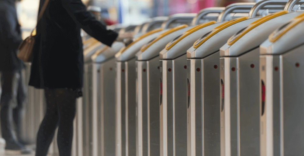 Rail industry heralds smart-ticketing rollout to all major UK stations