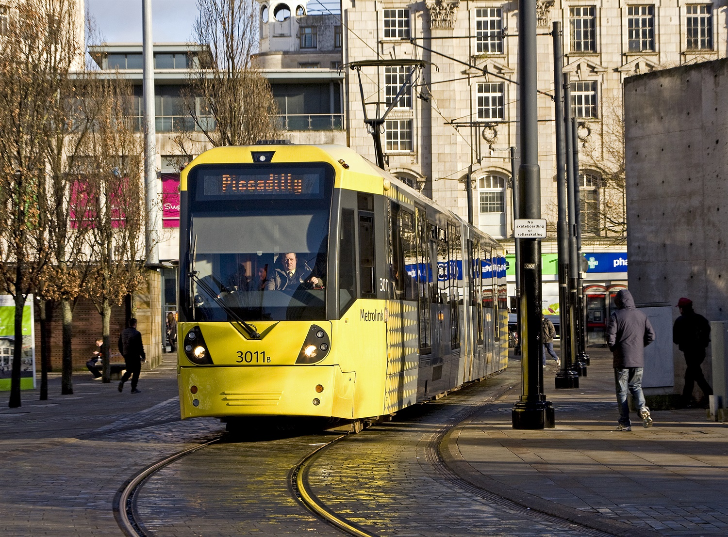 Manchester accident shows dangers of trams in pedestrian areas – RAIB