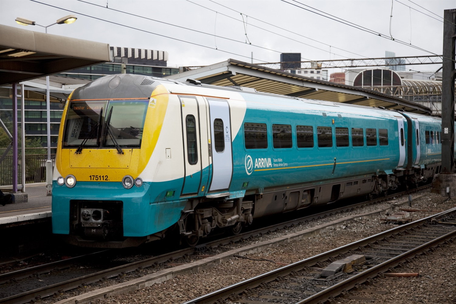 Arriva Rail becomes second operator to sue DfT over East Midlands franchise