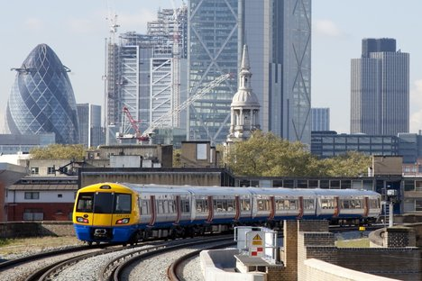 First five-car trains launched on London Overground