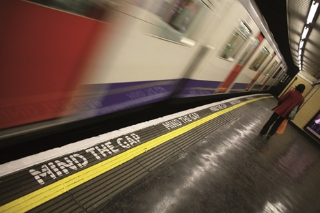 Tube delays continue to fall