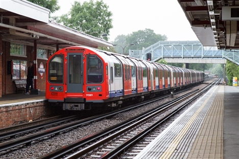 Derailed engineering train causes Central Line delays