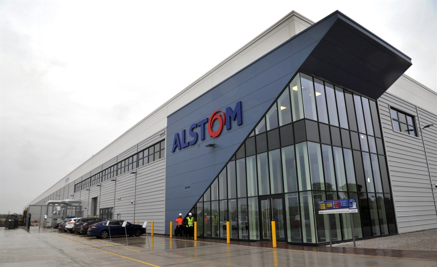 Alstom opens UK's largest train modernisation facility in Widnes