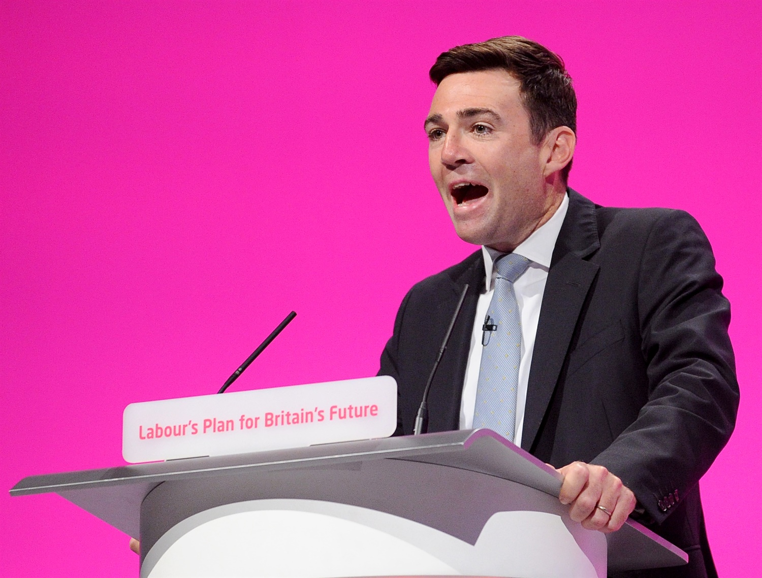 Rail chaos: Burnham claims Grayling is 'asleep at the wheel', rail operators apologise