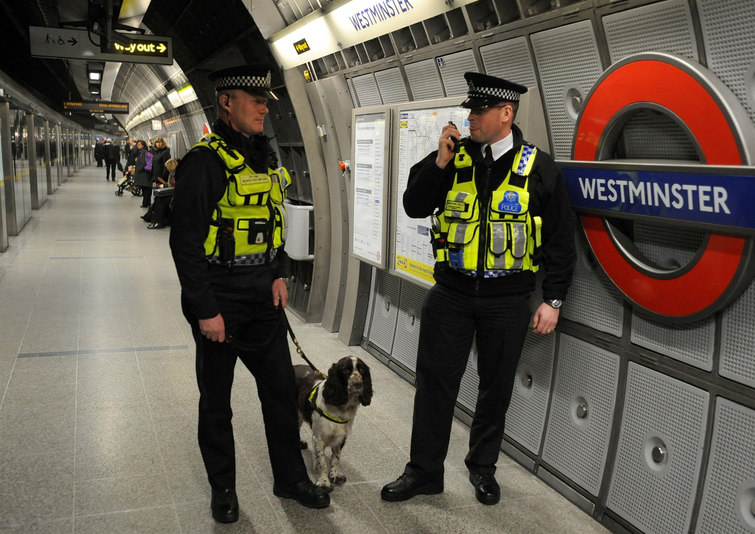 Over 100 police offers to patrol the Night Tube