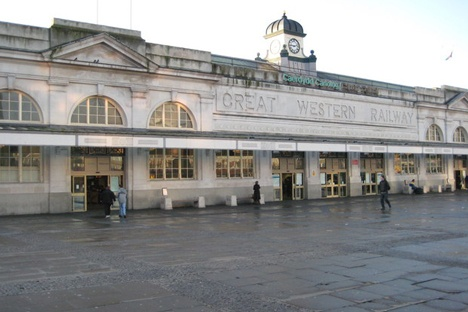Cardiff station struggles to cope with record passenger numbers