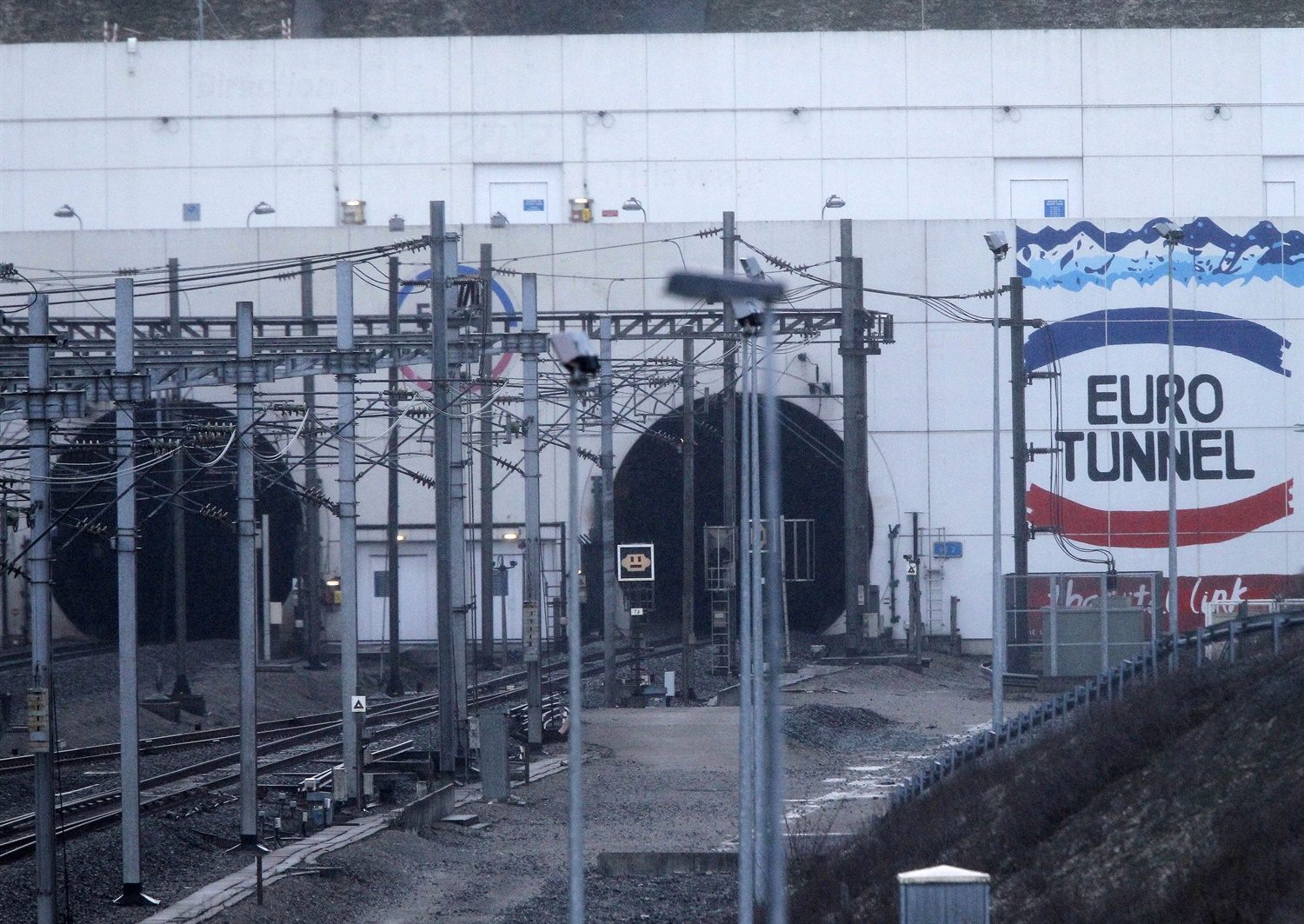 Redesign calls for Channel Tunnel's open shuttle trains after latest fire