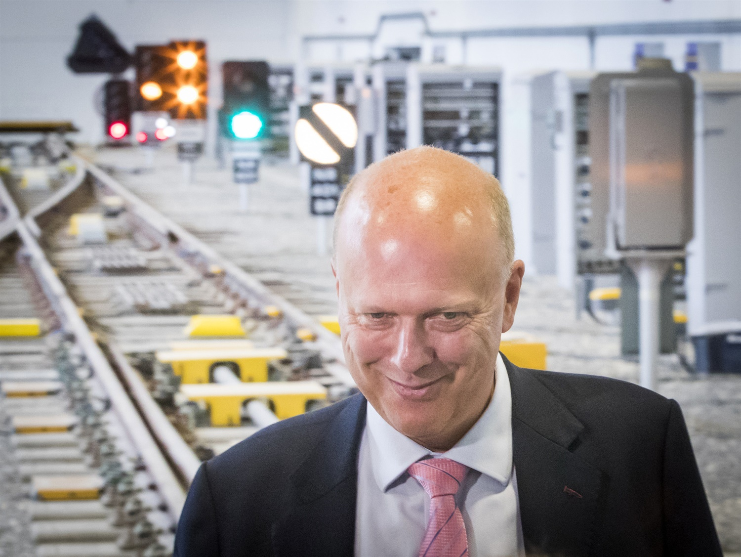 Major 2019 rail review led by BA boss will 'leave no stone unturned'