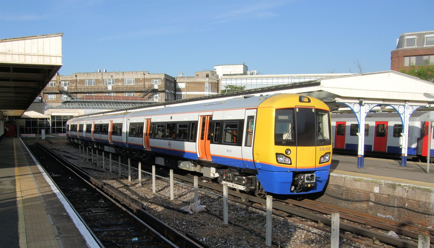 Bombardier wins contract to build new London Overground fleet