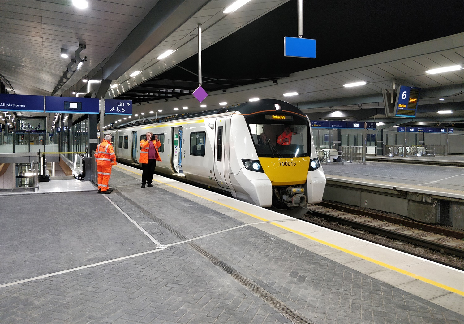 Thameslink test trains travel through new London Bridge platform for first time