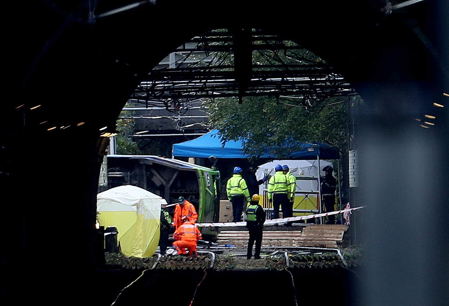 Croydon tram crash driver likely lost awareness due to a 'microsleep'