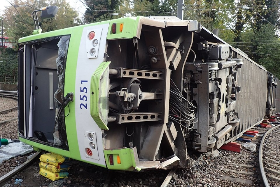 Investigators moot industry tram safety body after Croydon crash