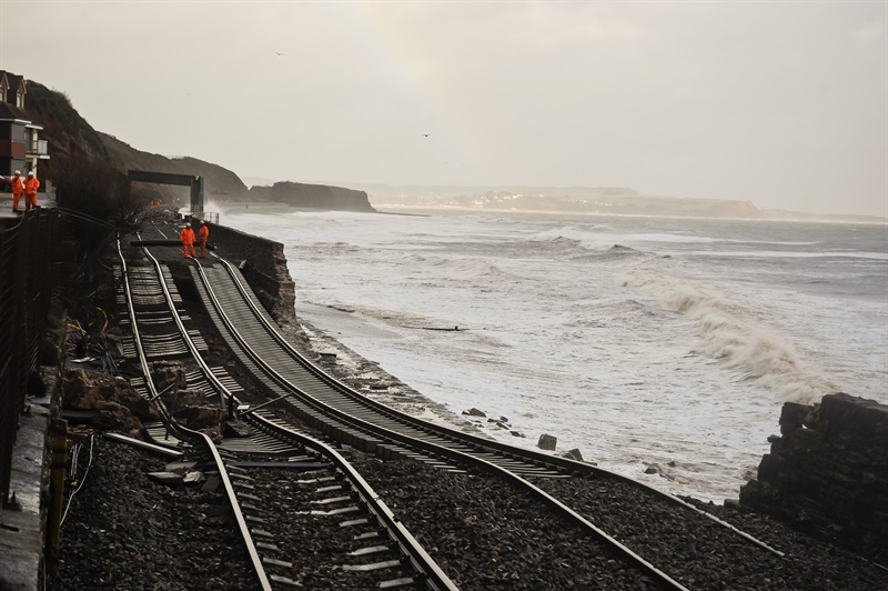 Government may review report into alternative routes at Dawlish