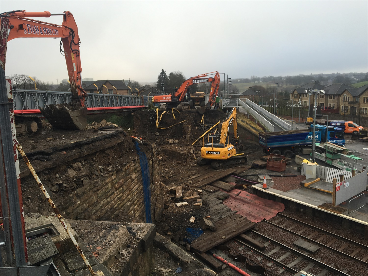 NR demolishes two key bridges as part of Scottish electrification work