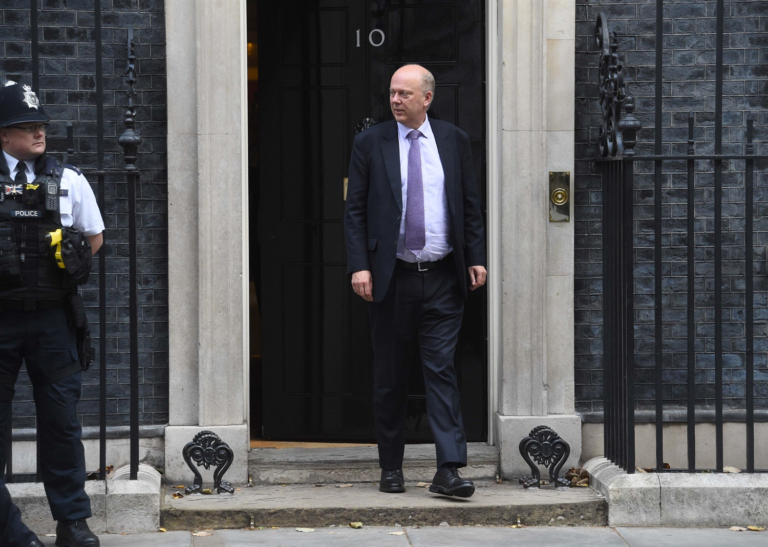 Grayling won't confirm halt to January fare rise, says TfL are in 'deep financial difficulties' due to Khan's fare freeze