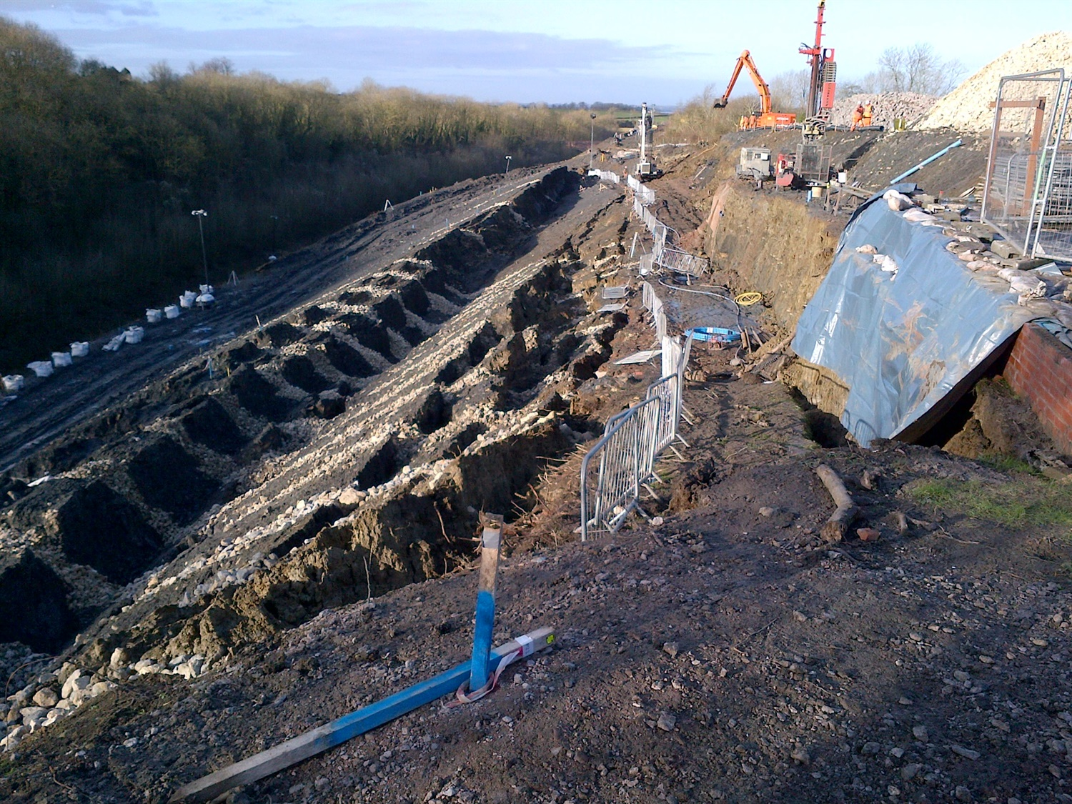 UPDATE: Landslip at Harbury closes Banbury to Leamington Spa line