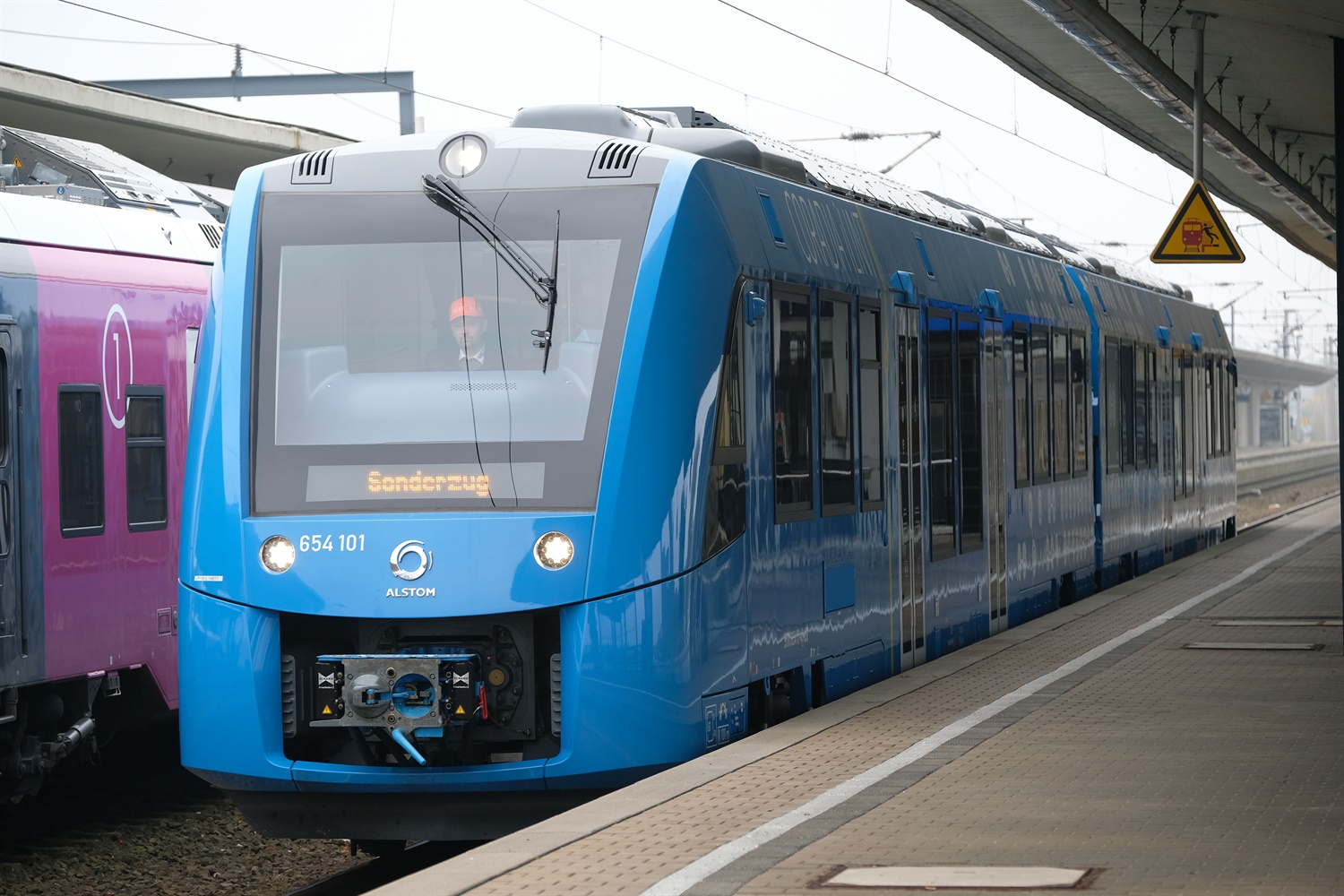 Government voices ambition to make hydrogen trains 'a priority' in future