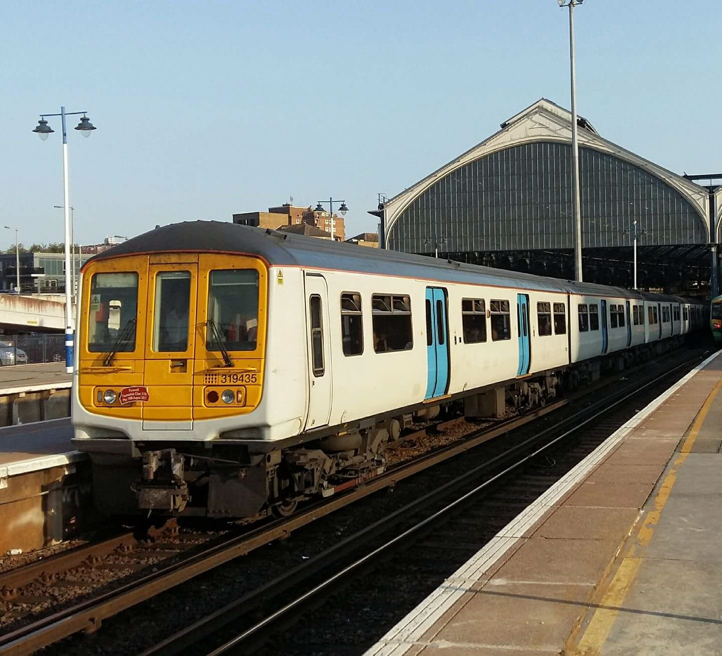 Thameslink replaces last of 30-year-old Class 319 fleet