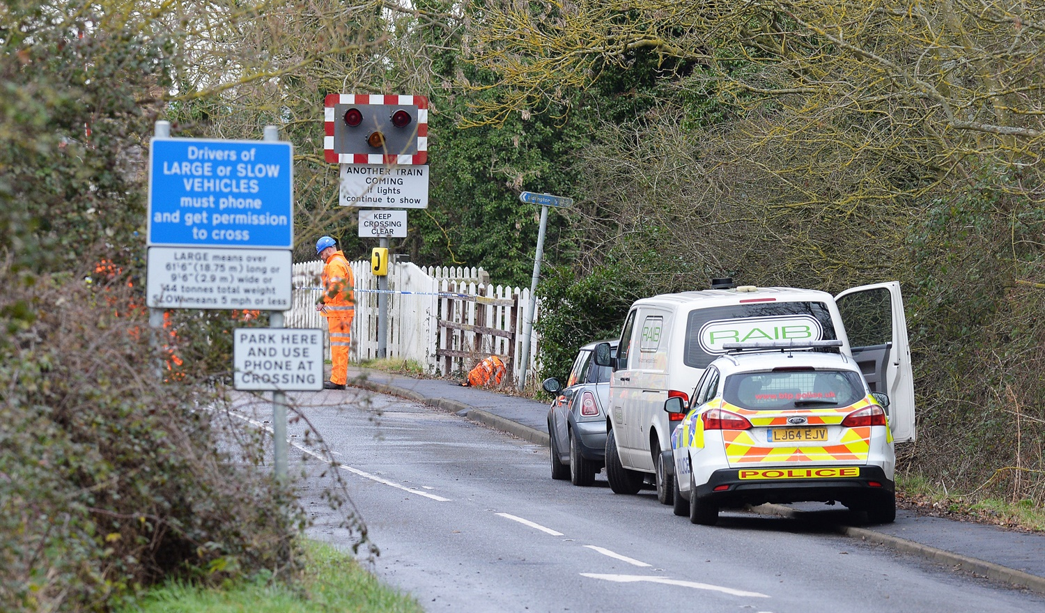 Man killed at Bedfordshire level crossing