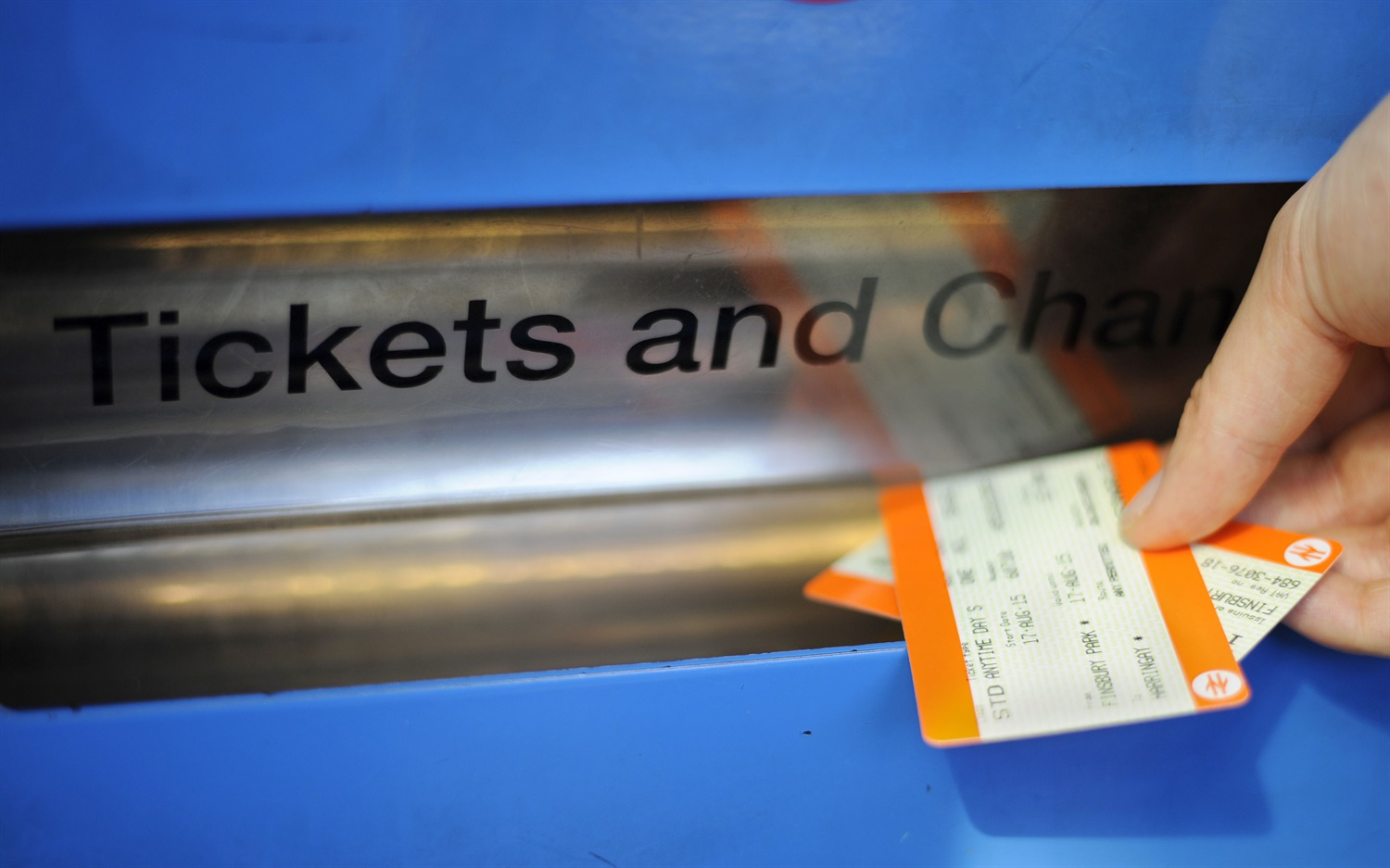 RMT launches campaign to stop closures of London Overground ticket offices