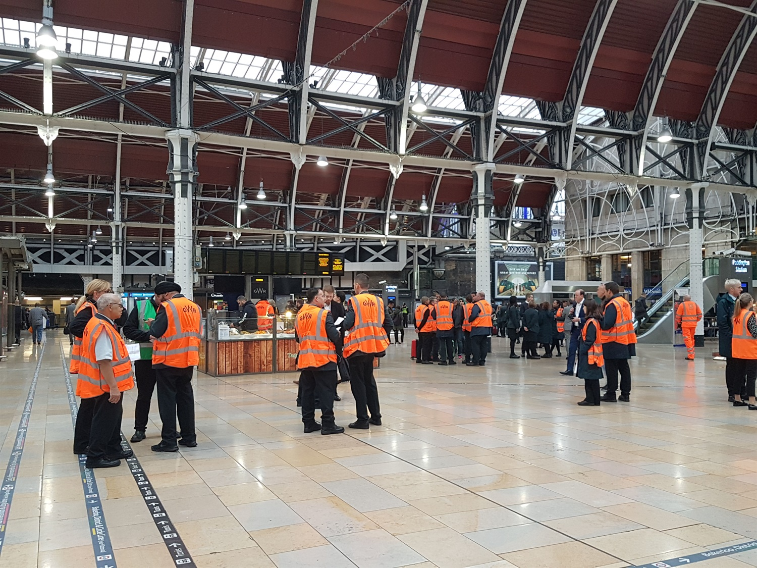Paddington: New GWR Hitachi train takes down rail network whilst on its test run