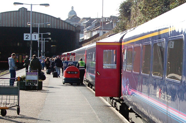 DfT to extend First Great Western contract until 2019