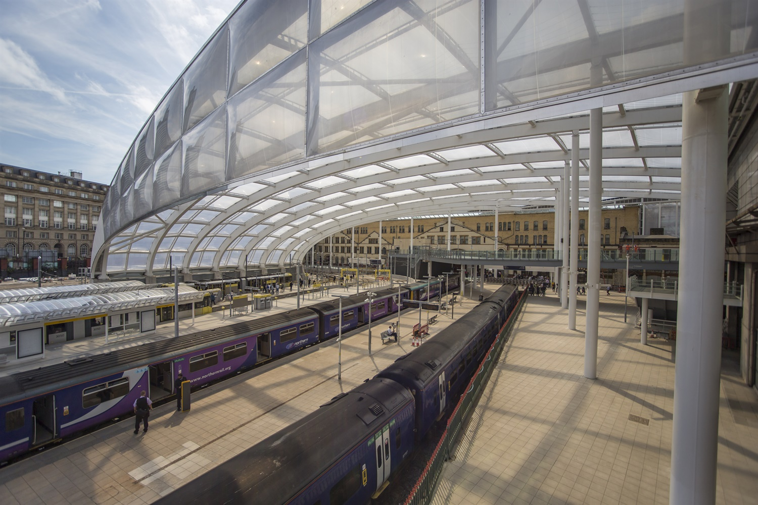 McLoughlin officially opens refurbished Manchester Victoria