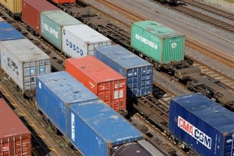 Threat to rail freight from longer lorries