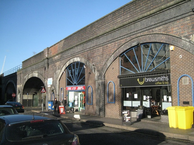 Network Rail agrees to £1.46bn sale of railway arches