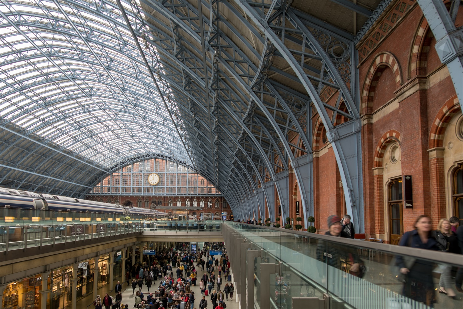 Queues of 15,000 and Eurostar chaos at St Pancras in no-deal Brexit
