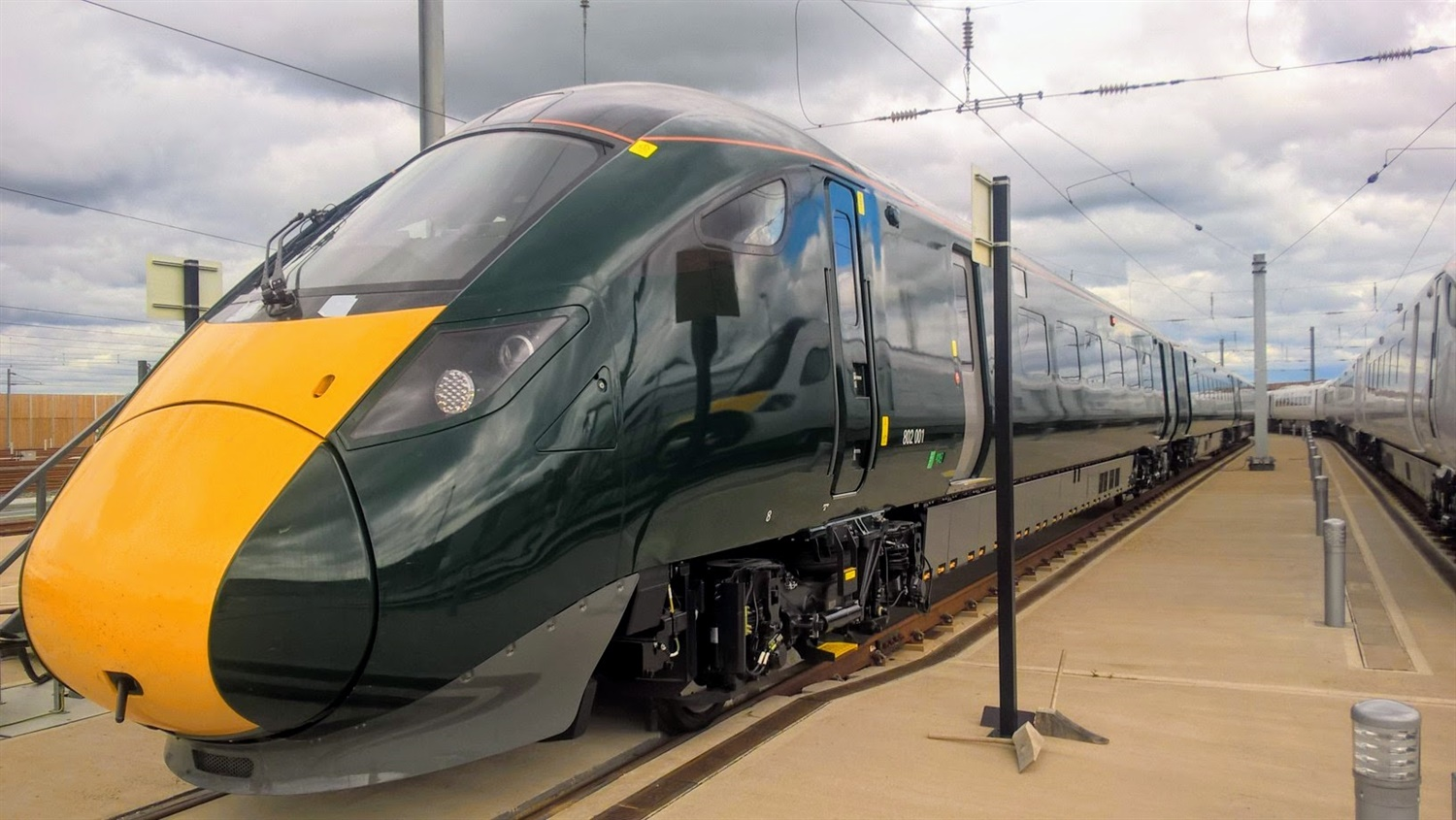 Hitachi Class 802s to be put in operation following GWR press launch