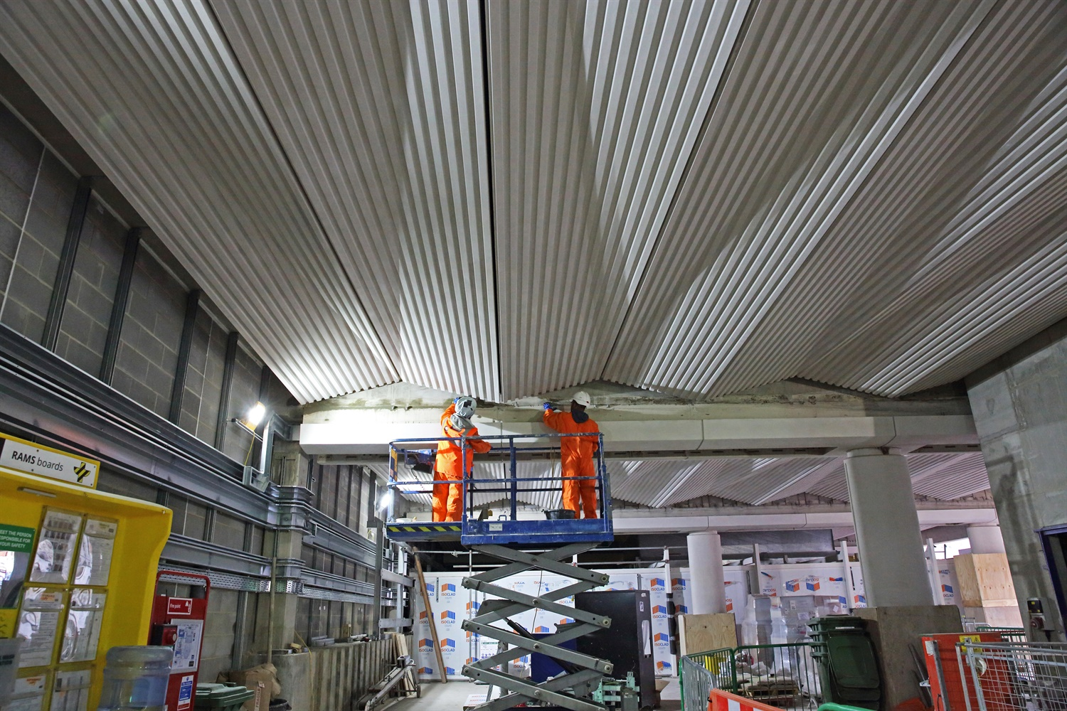 Crossrail unveils striking ceiling images at Farringdon and Liverpool Street stations