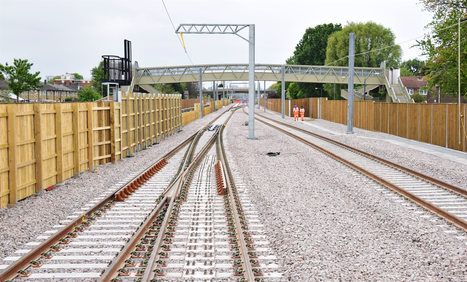Tracks for Elizabeth line services at Abbey Wood complete 269181