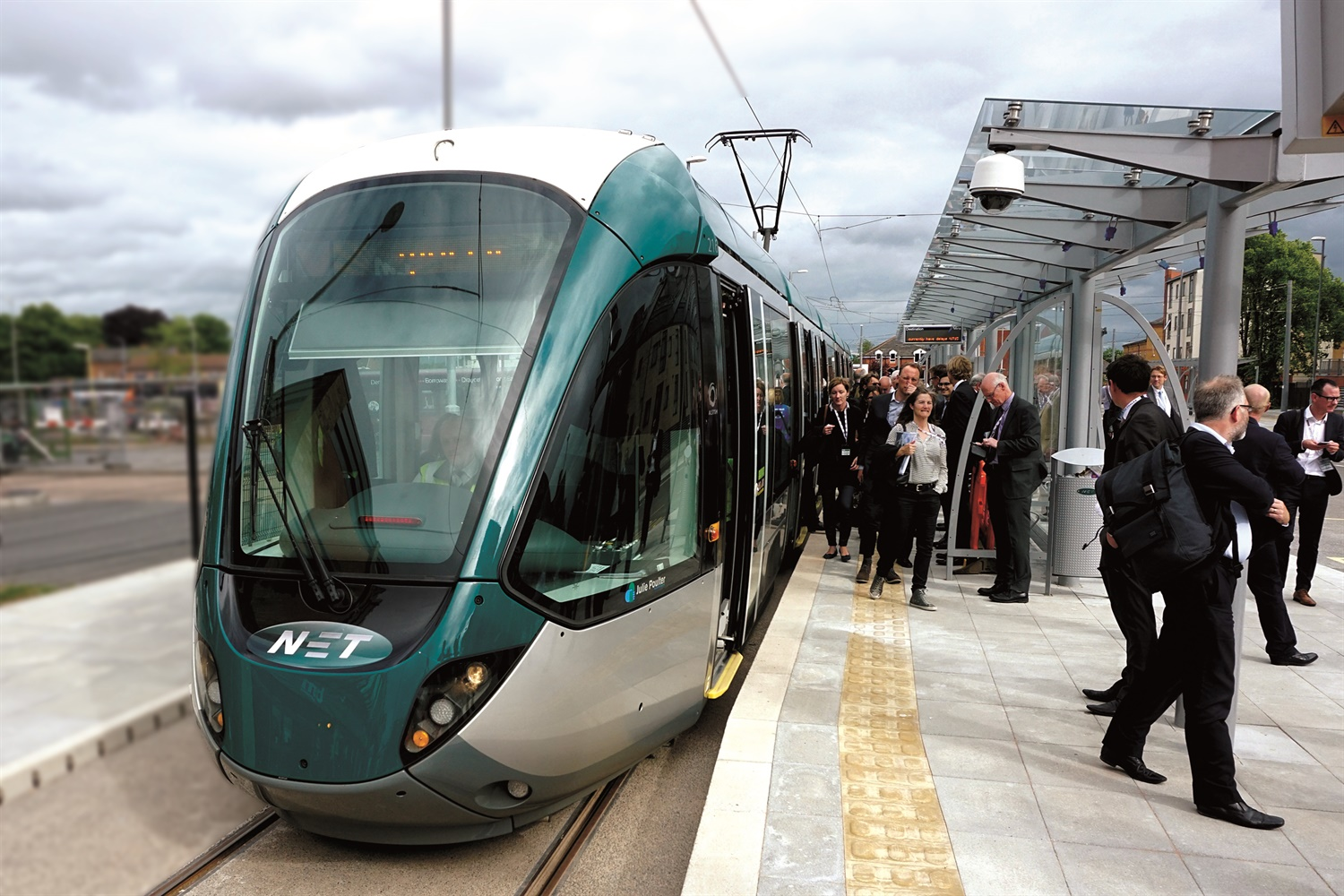 Government reiterates support for uk light rail sector