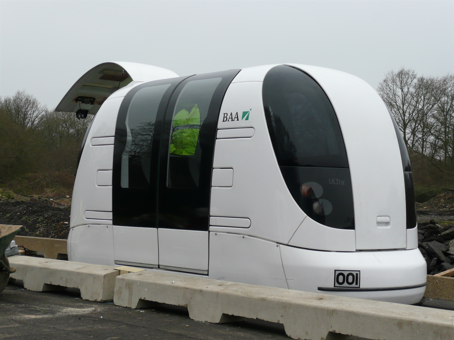Glasgow Airport rail link plans could be ditched for rapid shuttle pod system