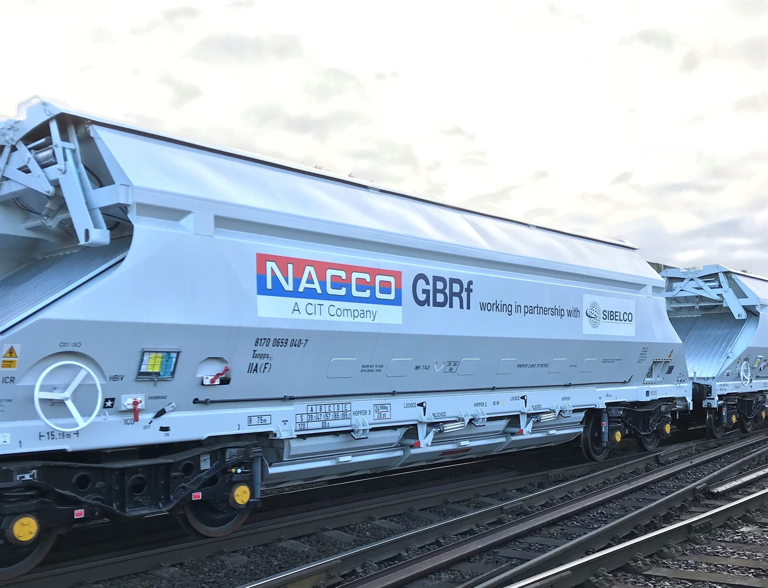 GB Railfreight picks up 41 new IIA hoppers