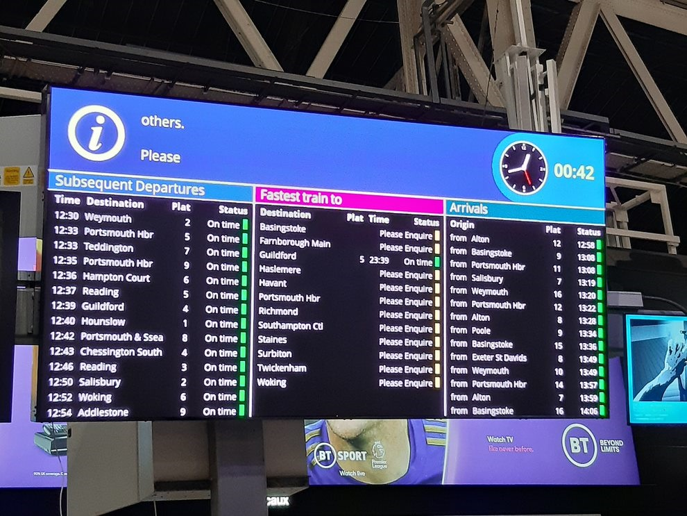 London Waterloo tests out new HD passenger information screen